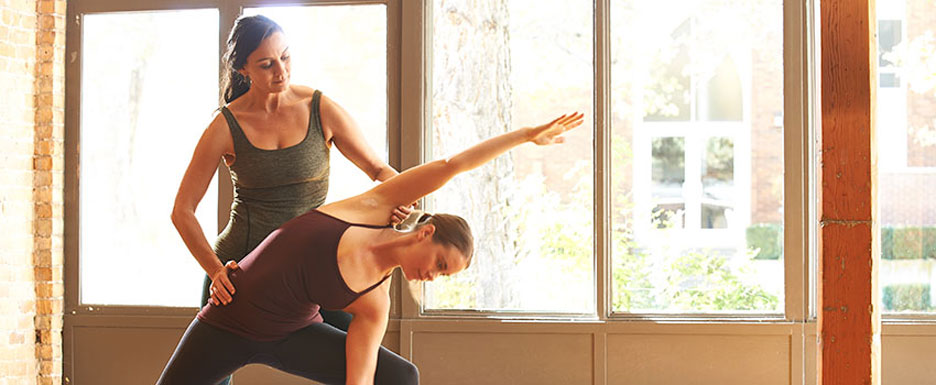 how to create a yoga teacher training program